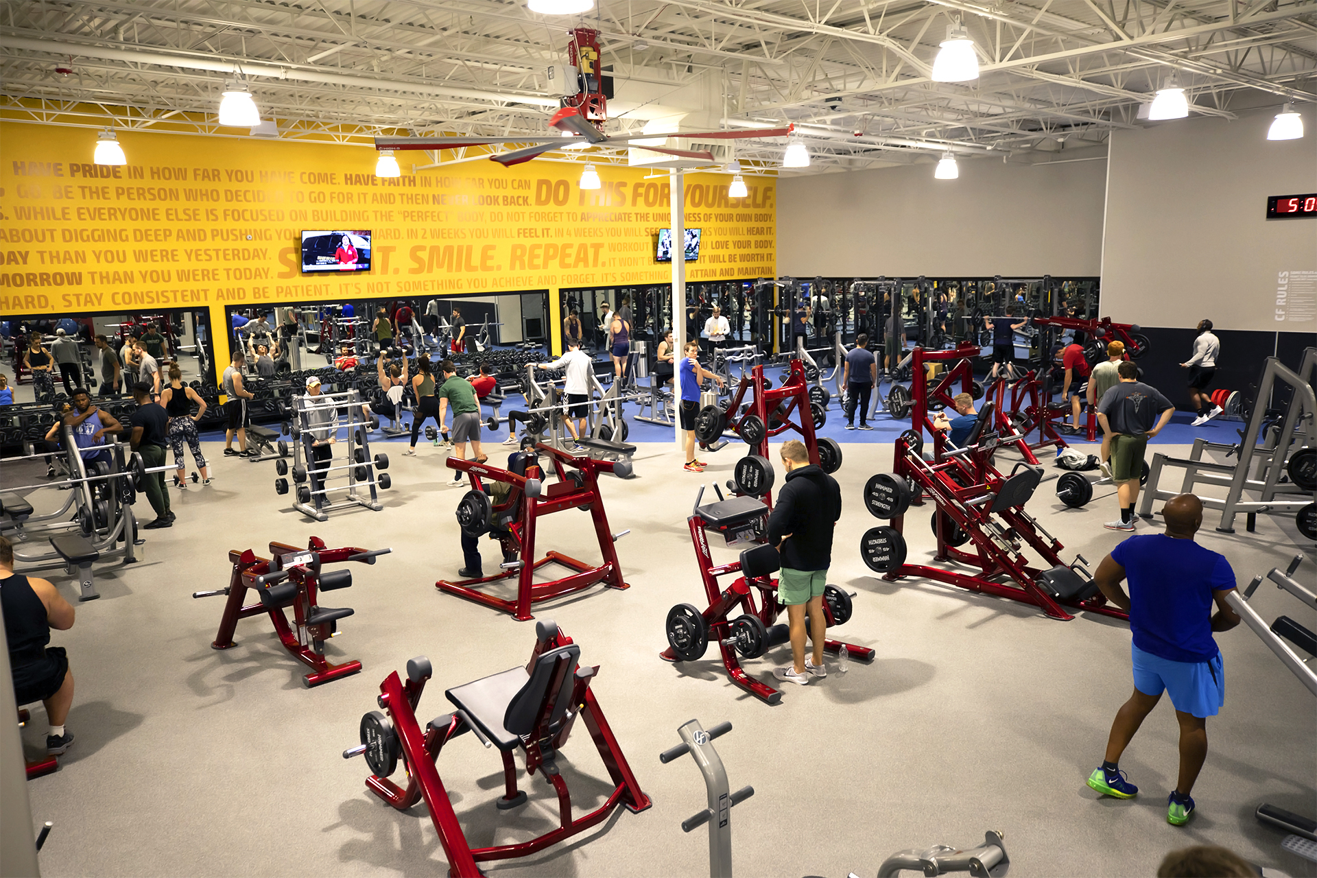 Free weights and machines at Club Fitness